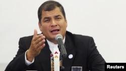 El presidente Rafael Correa se quejó de la falta de colaboración para capturar a su primo y ex presidente del Banco Central de Ecuador, Pedro Delgado.