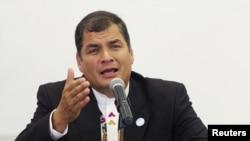 La licencia de Correa sería entre el 15 de enero y el 14 de febrero de 2013. Correa sería reemplazado por el vicepresidente Lenin Moreno.