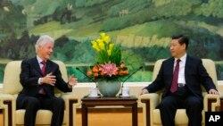 美國前總統克林頓11月18日在北京與中國國家主席習近平會晤