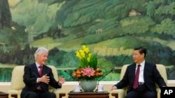 美国前总统克林顿11月18日在北京与中国国家主席习近平会晤