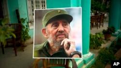 Opiniones en contra y a favor, generó la muerte del líder cubano Fidel Castro. Varias reacciones se dieron alrededor del planeta. Desde deportistas hasta presidentes de estado, hablaron sobre las casi seis décadas de protagonismo del comandante.