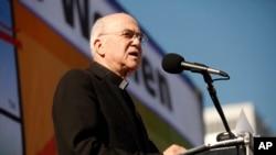 El Papa aceptó la renuncia del embajador del Vaticano en Washington Carlo Maria Vigano.