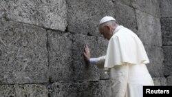 教宗在7月29日前往奧斯維辛的前納粹集中營。