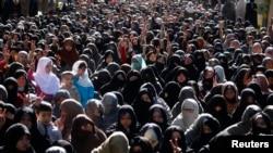 ہزارہ خواتین جنوری 2013ء میں ایک سو سے زائد افراد کی ہلاکت پر احتجاج کر رہی ہیں