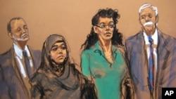 미국 뉴욕에서 대량살상무기 사용을 기도한 혐의로 체포된 노엘레 벨렌트자스(가운데 왼쪽)와 아시아 시디키 씨가 2일 연방법정에 출두한 모습.