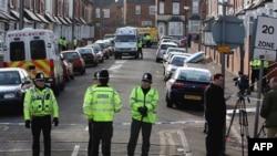 Cảnh sát Anh phong tỏa một con đường trong khu vực Birmingham