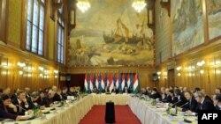 Hungaria merr zyrtarisht kryesinë e radhës të BE-së