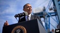 Presiden Barack Obama saat berada di Pelabuhan New Orleans (8/11).