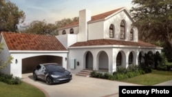 Tesla is currently selling the roof tiles in two different styles and is expected to add more options in the future. (Tesla)