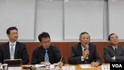 台北论坛就两岸关系走向举行座谈会(美国之音 张永泰拍摄)
