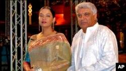 بھارتی شاعر و نغمہ نگار جاویداختر و شبانہ اعظمی لاہور پہنچ گئے