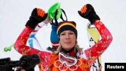 Kadınlar Alp disiplini yarışmasını birinci bitiren Alman sporcu Maria Höfl-Riesch