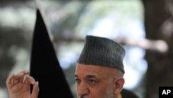 연합군의 공격에 제한을 요구하는 카르자이 대통령