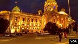 Arhiva - Zdanje Doma Narodne skupštine Republike Srbije, u Beogradu, 24. aprila 2019. (Foto: Veljko Popović, VOA)