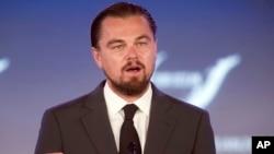 En 1998 Leonardo DiCaprio creó una fundación en defensa del medio ambiente y las energías renovables.