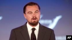 Leonardo DiCaprio berbicara dalam sebuah konferensi Departemen Luar Negeri AS di Washington, tahun lalu.