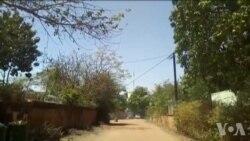 Des hélicoptères volent près de l'ambassade de France à Ouagadougou(vidéo)