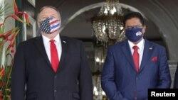 美國國務卿蓬佩奧2020年9月17日訪問蘇里南並會見總統昌·單多吉Chan Santokhi(路透社)