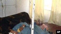 테러공격으로 치료받고 있는 아프간 민간인