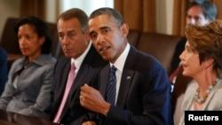 Le président Obama (2e de dr. à g.) rencontre les dirigeants du Congrès à la Maison Blanche, le 3 sept. 2013