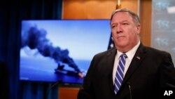 마이크 폼페오 미국 국무장관이 13일 워싱턴에서 기자회견을 열고 오만 해상에서 발생한 유조선 피격 사건의 책임이 이란에 있다고 밝혔다.