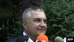 Shqipëri: Gjykata shpall të pafajshëm ish-kryeministrin Meta