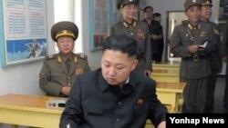 북한 김정은 국방위원회 제1위원장이 조선인민군 제552군부대관하 구분대를 시찰했다고, 북한 관영 '조선중앙통신'이 7일 보도했다.