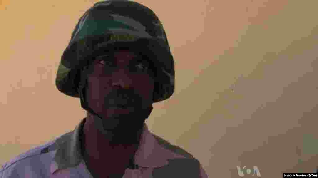 Col. Muhammed Dole a Maiduguri, Nigeria, Disamba 2013. (Heather Murdock for VOA)
