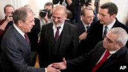 Ministan harkokin wajen Rasha Sergie Lavrov ya na gaisawa da bangaren 'yan adawan Syria