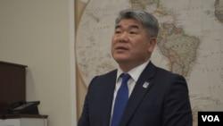 김진향 개성공단지원재단 이사장이 11일 미국 의회에서 열린 개성공단 기업인 설명회에서 발언하고 있다.