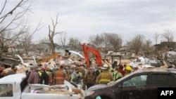 После торнадо в Харрисбурге