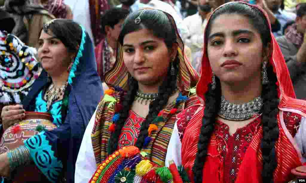 سندھ کی خواتین کا روایتی لباس