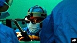 Роботски операции без лекари