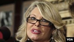 Sharon Bialek adalah perempuan keempat yang melontarkan tuduhan pelecehan seksual kepada Herman Cain, kandidat Partai Republik untuk pemilihan presiden Amerika mendatang (foto: dok).
