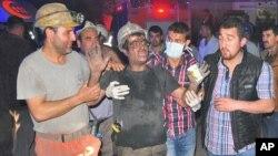 Spasavanje radnika nakon nesreće u rudniku uglja u Somi, na zapadu Turske