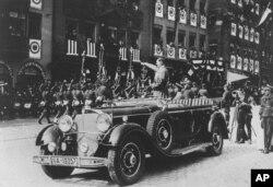 曾经载着希特勒通过柏林祝捷游行的奔驰车
