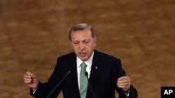 의회에서 연설하는 에르도안 터키 대통령 (자료사진)