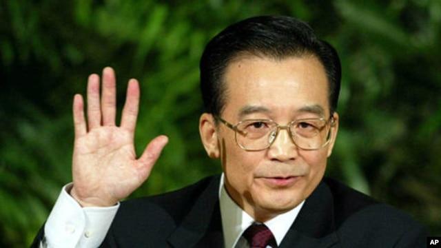 New York Times pernah menuat berita menggemparkan terkait rincian kekayaan keluarga Perdana Menteri Tiongkok Wen Jiabao  yang sangat besar (Foto: dok). Wartawan New York TImes, Chris Buckley dipaksa keluar dari daratan Tiongkok setelah tidak memperoleh perpanjangan visa dari negara tersebut.