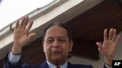 杜瓦利埃為執政時期暴政道歉。