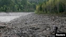 Banjir melanda kota Krasnoyarsk di Siberia, Rusia, akhir Mei 2013.