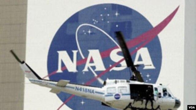 SHBA, një asteroid i vogël mund të çohet në orbitën pranë Hënës