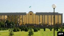 2010 yil bo'yicha hisobotda, O'zbekiston inson huquqlariga hurmat bobida Xitoy, Shimoliy Koreya, Eron, Kuba va Belarus bilan bir safda.