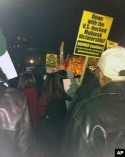 白宫前的示威人群