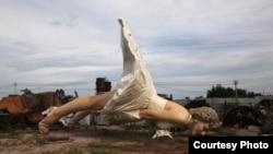 在中国新一轮反西方渗透的浪潮中 广西推倒刚建成6个月的梦露雕像(取自网络)