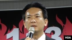 民进党中央党部发言人林俊宪(美国之音申华拍摄)