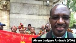 Dom Manuel Imbamba, bispo angolano