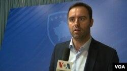Gospodin Dačić predvodi kampanju u kojoj obilazi države koje su priznale nezavisnost prenoseći neistinite iformacije da se pregovara o statusu Kosova - što nije slučaj: Glauk Konjufca