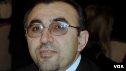 دکتۆر ئازاد مورادیان Dr.Azad Moradian