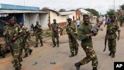 Des militaires burundais à Bujumbura, Burundi, 7 mai 2015.