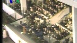 Occupy Wall Street Pasca-Penggerebekan Polisi - Liputan Berita VOA 2 Desember 2011